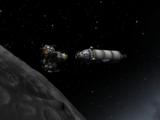 Dockvorgang mit dem alten Lander am Orbiter