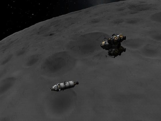 Annäherung mit dem alten Lander an den Orbiter
